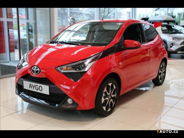 Toyota Aygo 1,0  VVTi x play + Style + Con hatchback