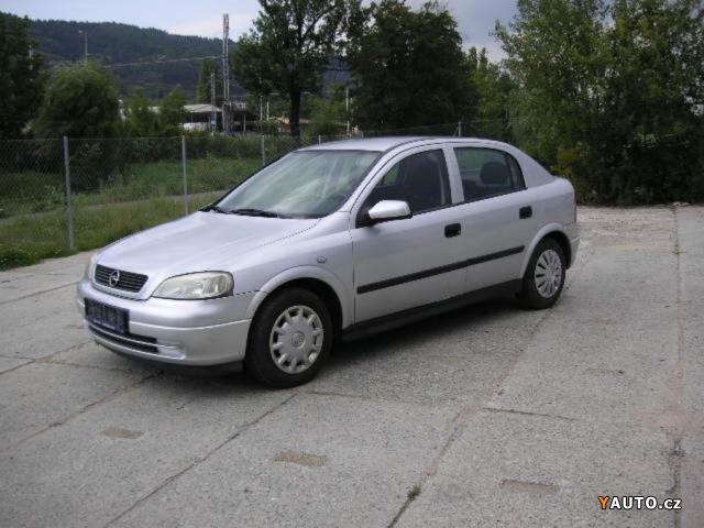 Opel Astra 1.2i-16V hatchback