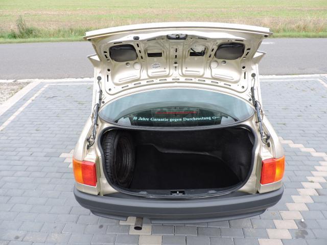 Audi 80 motor 1, 8 L automat sedan