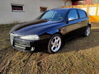 Alfa Romeo 147 Q2 110kW hatchback
