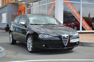 Alfa Romeo 147 1.6T.S.  Xenony hatchback