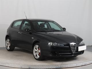 Alfa Romeo 147 1.6 16V T.SPARK ECO 77kW hatchback benzin