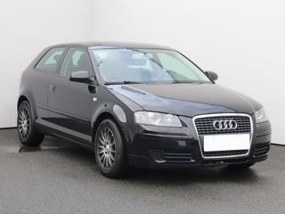 Audi A3 1.6i, ČR hatchback benzin