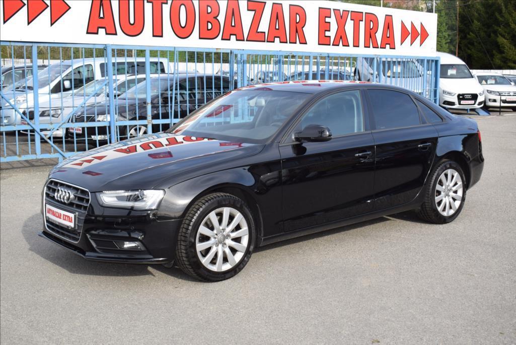 Audi A4 1,8 TFSi ČR,QUATTRO  R E Z E R V A C E  !!! sedan benzin