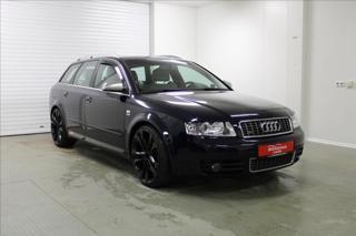 Audi S4 4,2 V8 253 KW Quattro kombi benzin