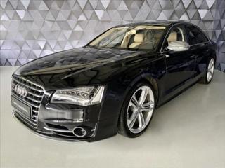 Audi S8 4,0 TFSI 700PS V8,BOSE,LED,NIG sedan benzin