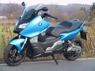 BMW skútr