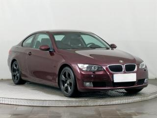BMW Řada 3 320 i 125kW kupé benzin