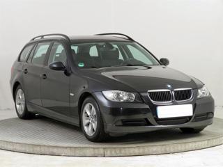 BMW Řada 3 318 i 95kW kombi benzin