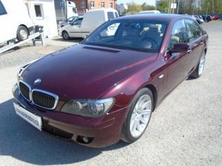 BMW Řada 7 760i V12 koupeno nové v D  1. majit sedan