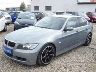 BMW Řada 3 2,5 325i sedan benzin