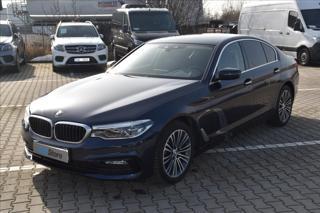 BMW Řada 5 .   520d xDrive Sport Line sedan nafta