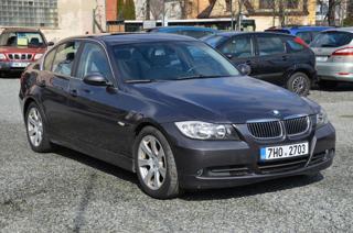 BMW Řada 3 325i sedan