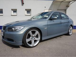 BMW Řada 3 3.0 i Sport sedan benzin