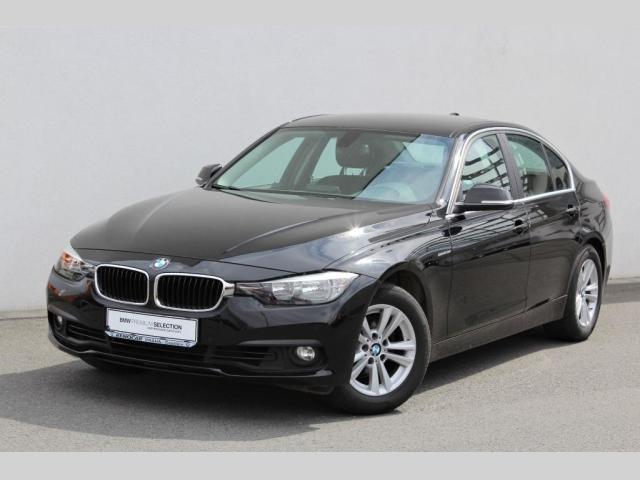 BMW Řada 3 318i Limousine sedan benzin