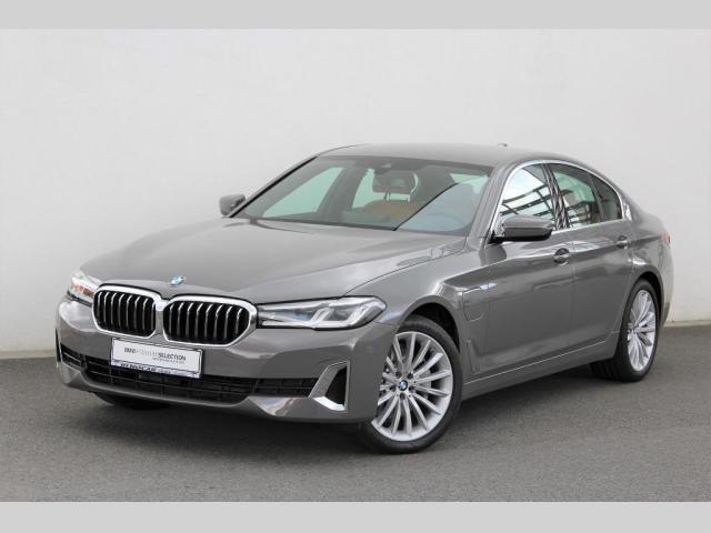 BMW Řada 5 530e xDrive Sedan Luxury Line sedan