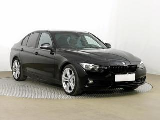 BMW Řada 3 330 i 185kW sedan benzin