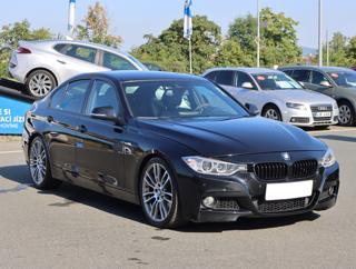 BMW Řada 3 335 i 225kW sedan benzin