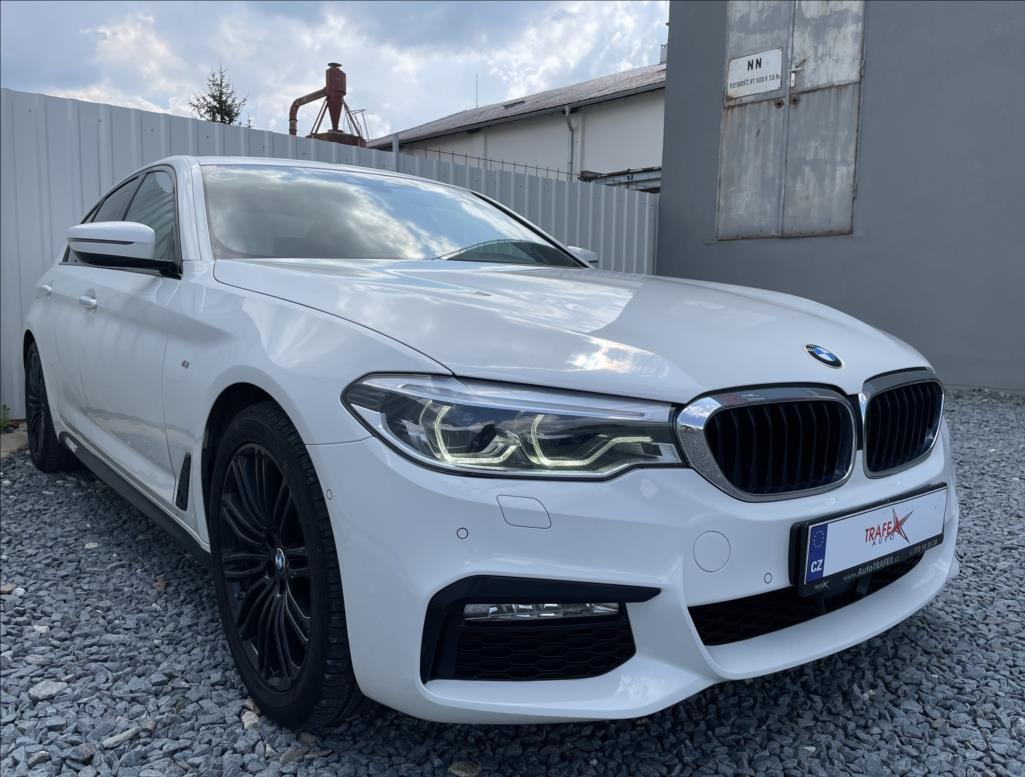 BMW Řada 5 3,0 d xDrive M-paket, původ ČR sedan nafta