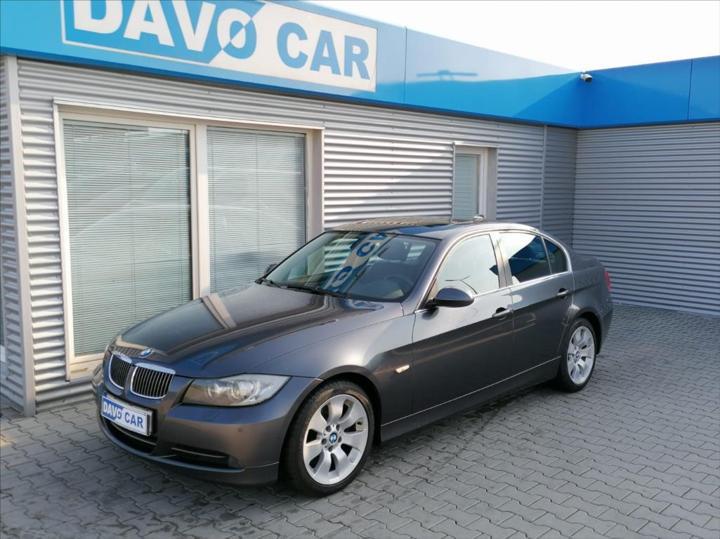 BMW Řada 3 3,0 330dA 170 kW Navi Xenon sedan nafta