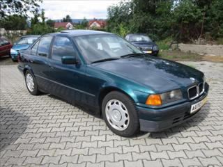 BMW Řada 3 1,8 i  E36 sedan benzin