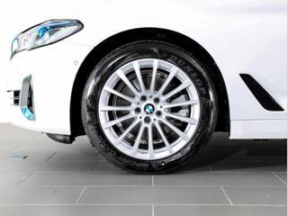 BMW Řada 5 520d xDrive sedan nafta - 4