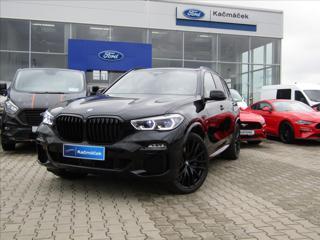 BMW X5 3,0 xDrive40d, M Paket SUV nafta