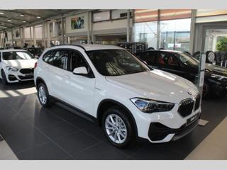 BMW X1 2.0 i xDrive SUV benzin