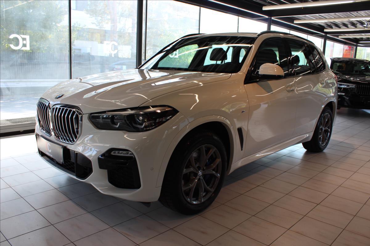 BMW X5 xDrive30d M Sport Pano/Tažné SUV nafta