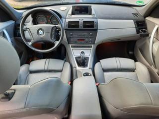 BMW X3 2.5 i Sport terénní benzin