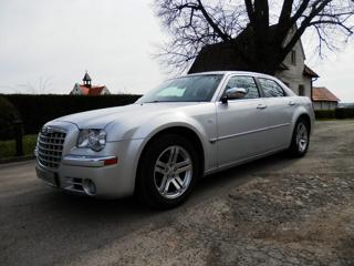 Chrysler 300C 5.7L V8 HEMI, Kůže, Xenon, Tažné sedan