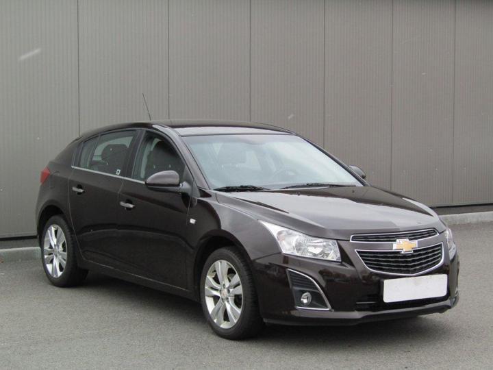 Chevrolet Cruze 1.6i, ČR sedan benzin
