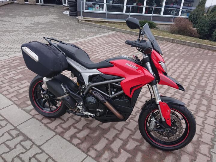 Ducati 2013, 821 ccm, 77 kW silniční cestovní