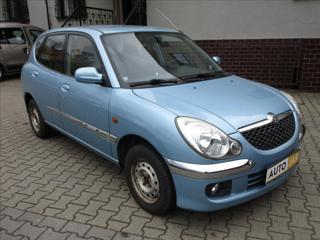 Daihatsu Sirion 1,0 i  PLUS,KLIMATIZACE hatchback benzin