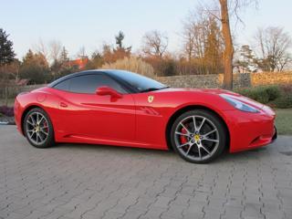 Ferrari California ČR  1.MAJITEL kabriolet