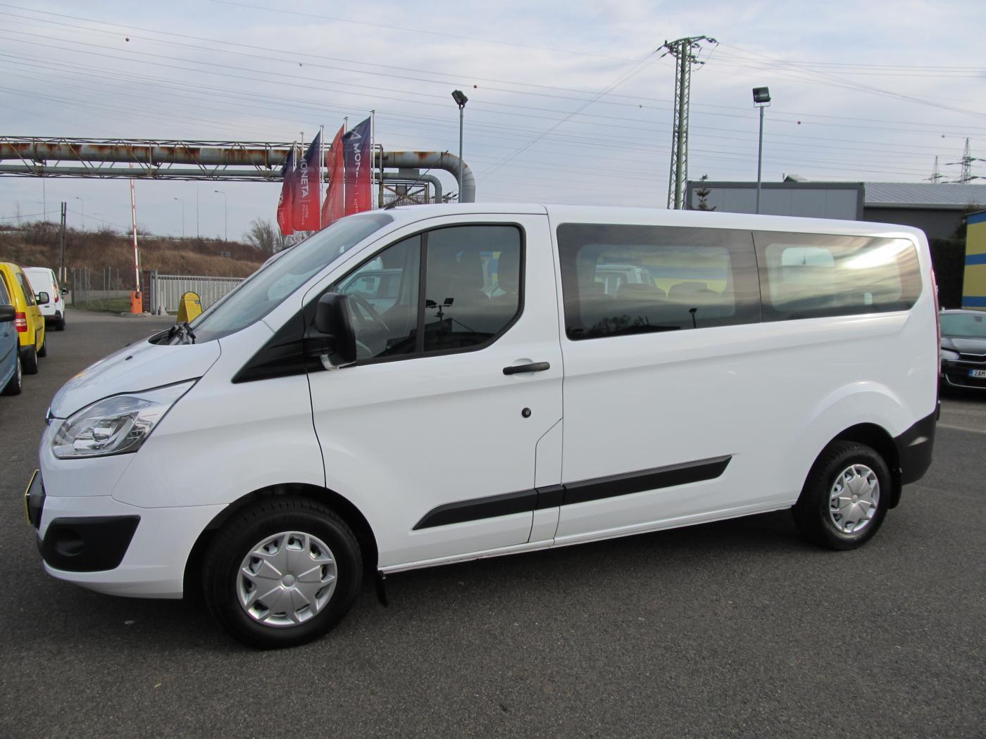 Ford Tourneo Custom 2.0 TDCi 9 míst ČR 1.maj VAN