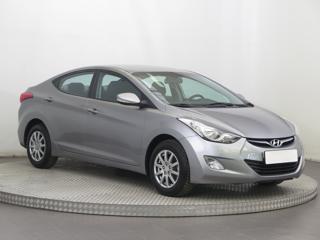 Hyundai Elantra 1.6 97kW sedan benzin