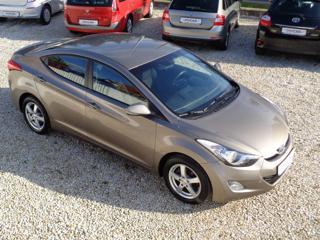 Hyundai Elantra 1,6 GDi 1.MAJITEL sedan