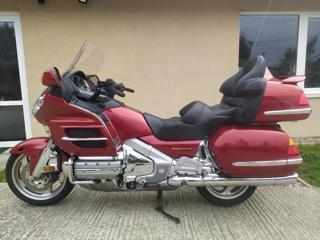 Honda silniční cestovní