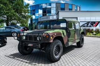 Hummer H1 6,2 M998 HMMWV  Vojenský  OV, terénní benzin