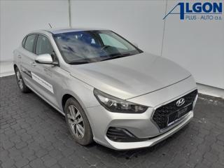 Hyundai i30 1,6 D  TRIKOLOR KOMFORT hatchback nafta