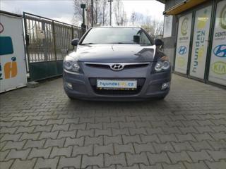 Hyundai i30 1,6 ISOFIX-AUT. KLIMA-POSILOVA hatchback benzin
