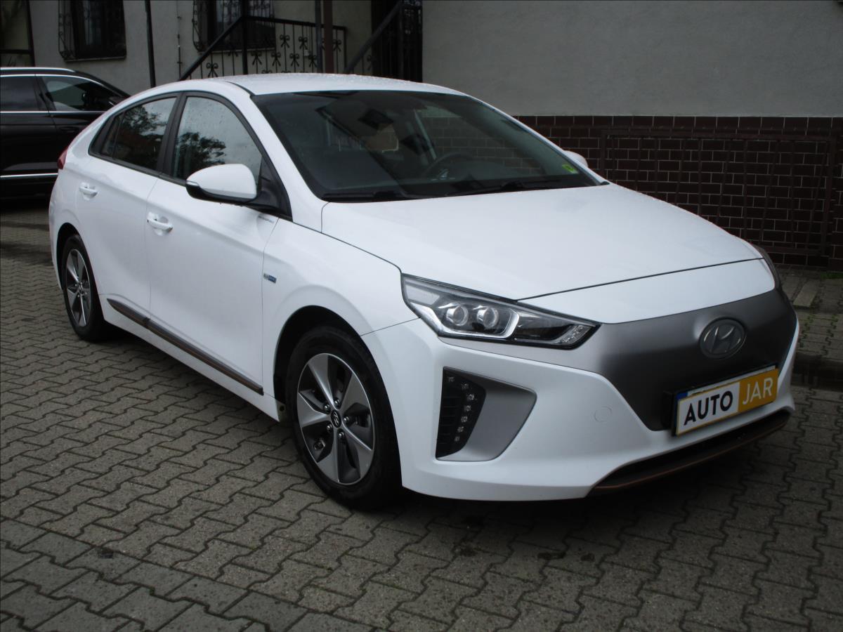 Hyundai IONIQ 0,1 EV  DPH, CZ hatchback elektro