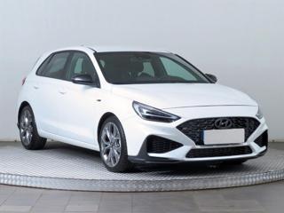 Hyundai i30 1.5 T-GDI MHEV 117kW hatchback benzin