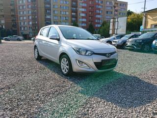 Hyundai i20 1.2i,62KW,KLIMA,NAVI,ZÁRUKA KM hatchback
