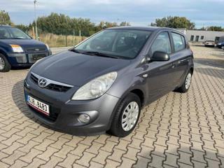 Hyundai i20 1,2i 57kw r.v. 2011 hatchback benzin