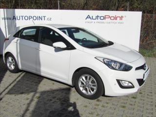Hyundai i30 1,6 MPI  Comfort Vyhř.sed. 1.ČR hatchback benzin