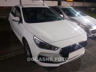 Hyundai i30 1.4 i, 1.maj, Serv.kniha, ČR hatchback benzin