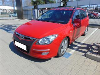 Hyundai i30 1,6 CRDi 85kW KLIMA TAŽNÉ  CW kombi nafta