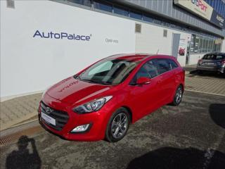 Hyundai i30 1,6 GDi 99KW Weekend VÝHŘEV kombi benzin
